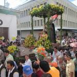 Las calles y avenidas de Santa Ana lucieron abarrotadas de feligreses durante la procesión