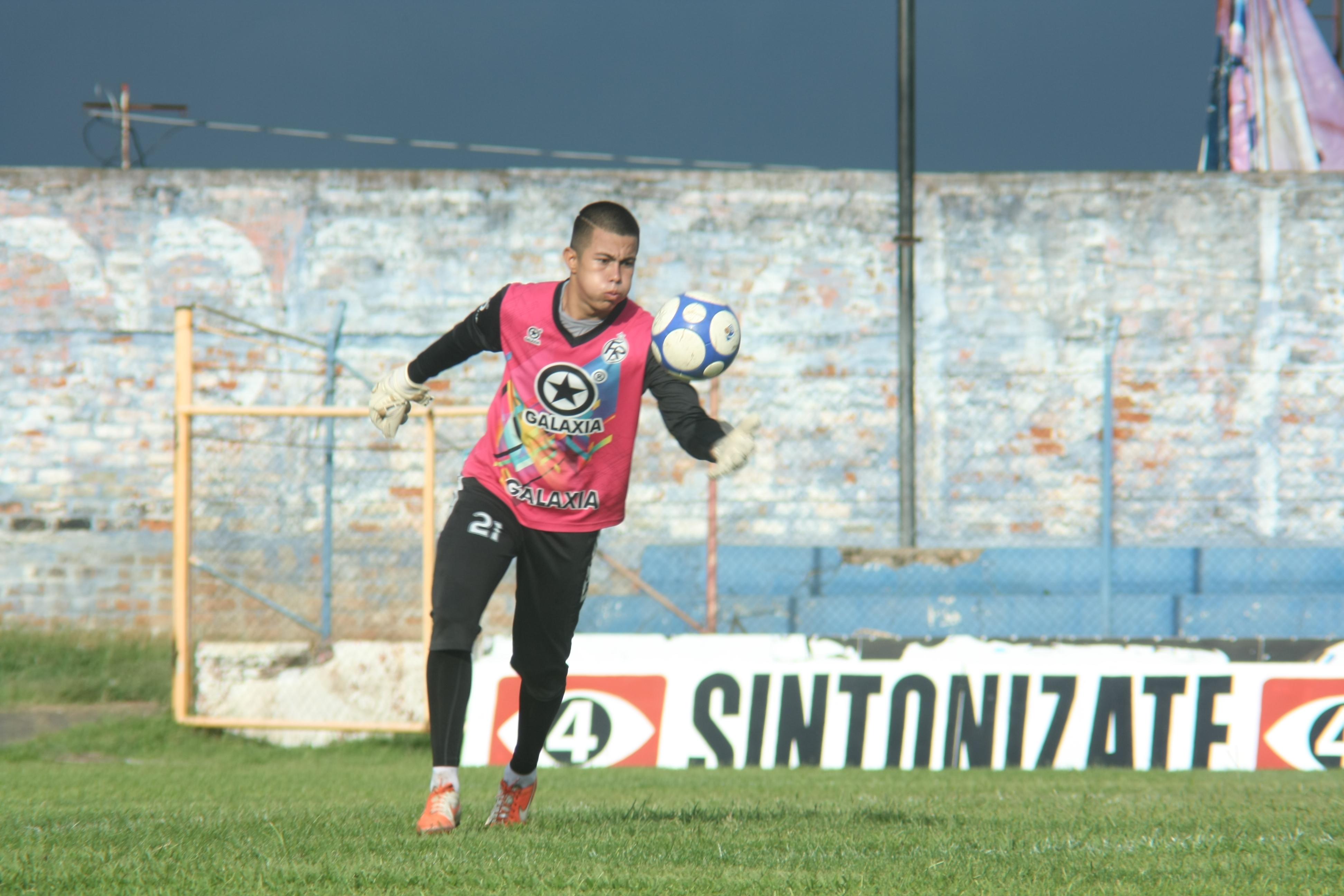 Nicolás Pacheco: el joven promesa de Club Deportivo FAS