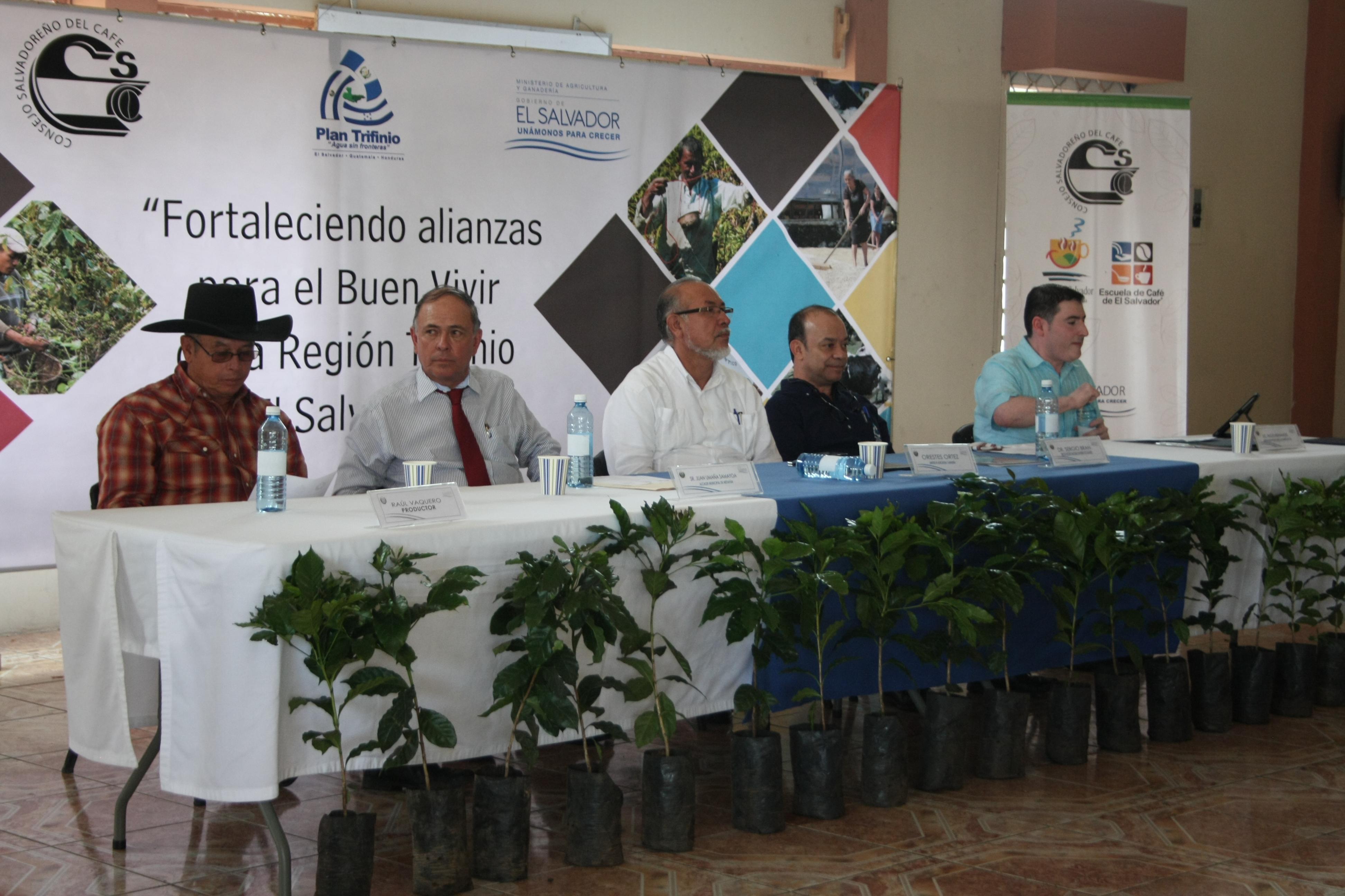 Firma de memorando para cooperación entre el CSC, CTPT y CENTA-CAFÉ