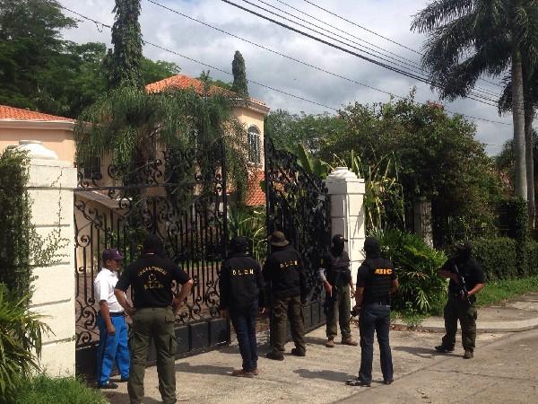 ESCANDALO EN E.U. :Decomisan propiedades a los Rosenthal en Honduras