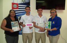 estudiantes-ganadores-del-primer-lugar-en-el-cuarto-concurso-de-ciencias