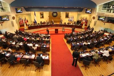 Asamblea posibilita pago de bono para personal de la PNC, FAES y Centros Penales