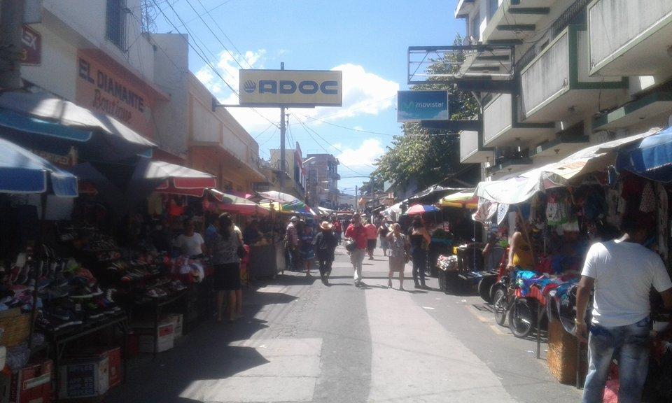 Comerciantes de Metapán ofrecen productos de calidad a un buen costo