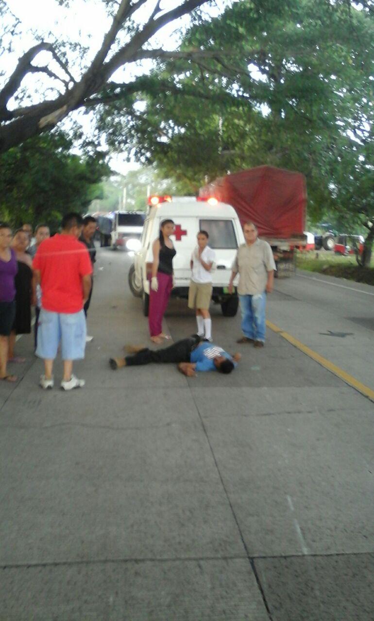 Accidentes de tránsito sobre la carretera de Santa Ana hacia Metapán generan congestionamiento vehicular
