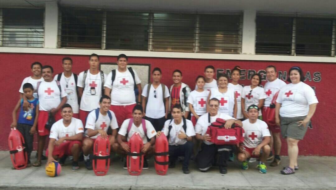 Voluntarios y aspirantes de Cruz Roja seccional Santa Ana y Chalchuapa se sometieron a la prueba del niño