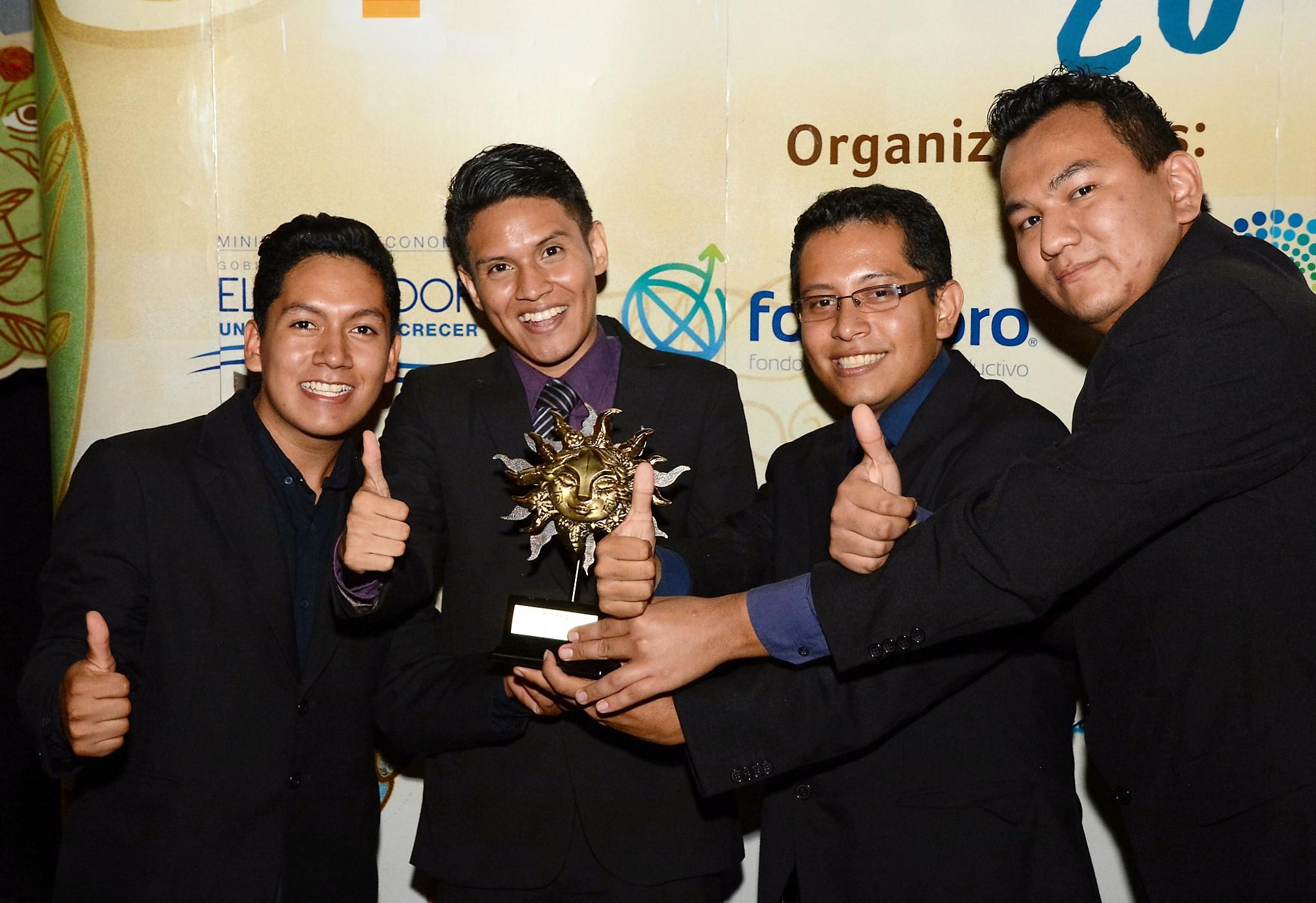Ministerio de Economía premia a ganadores de  VIII edición de premios Pixels