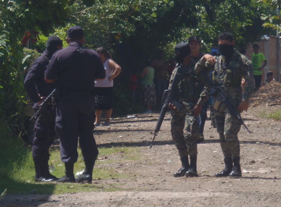 Policía Nacional Civil captura varios sujetos procesados por  diferentes delitos