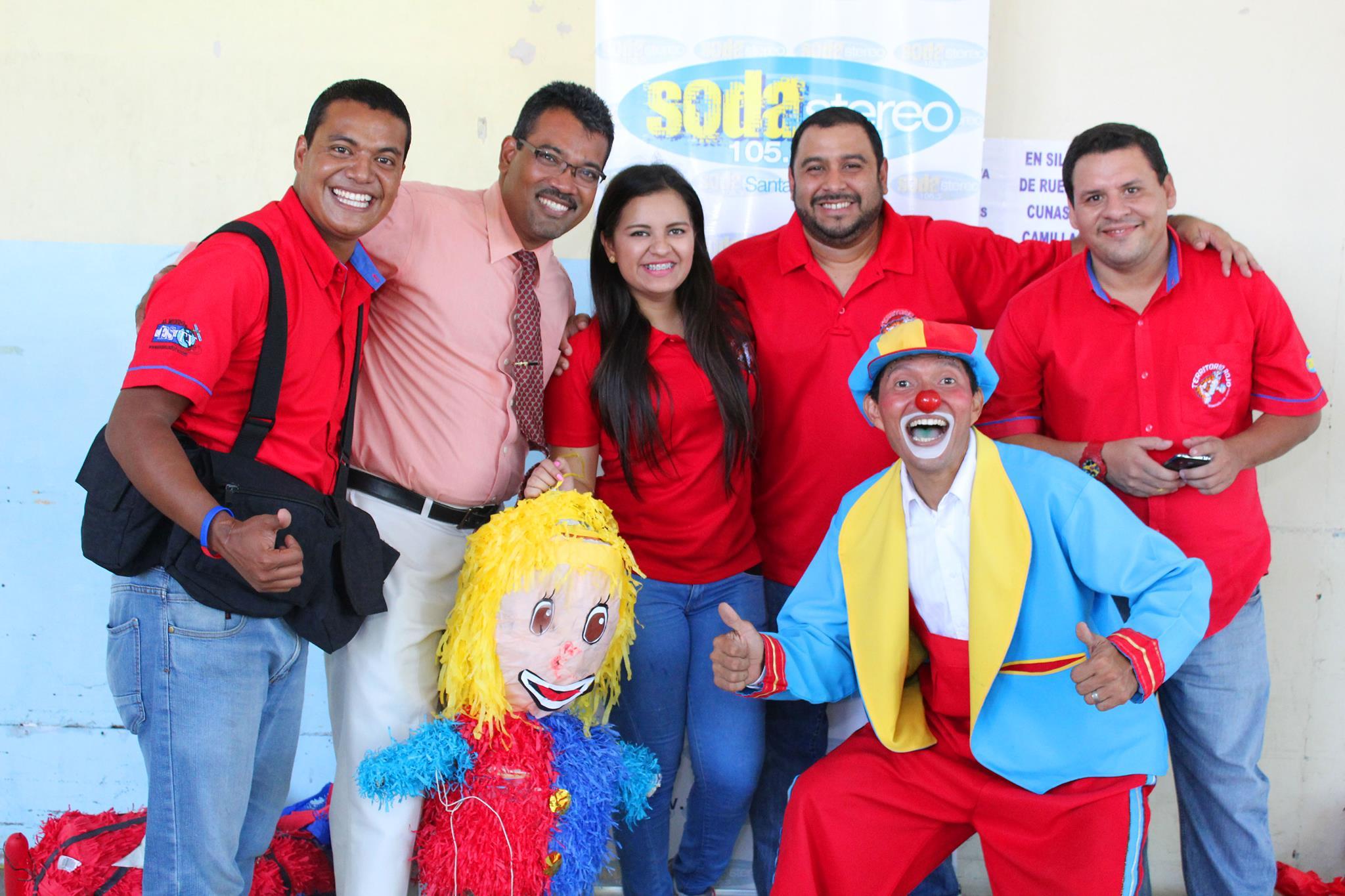 Niños del área de pediatría del hospital San Juan de Dios olvidaron por un momento sus padecimientos