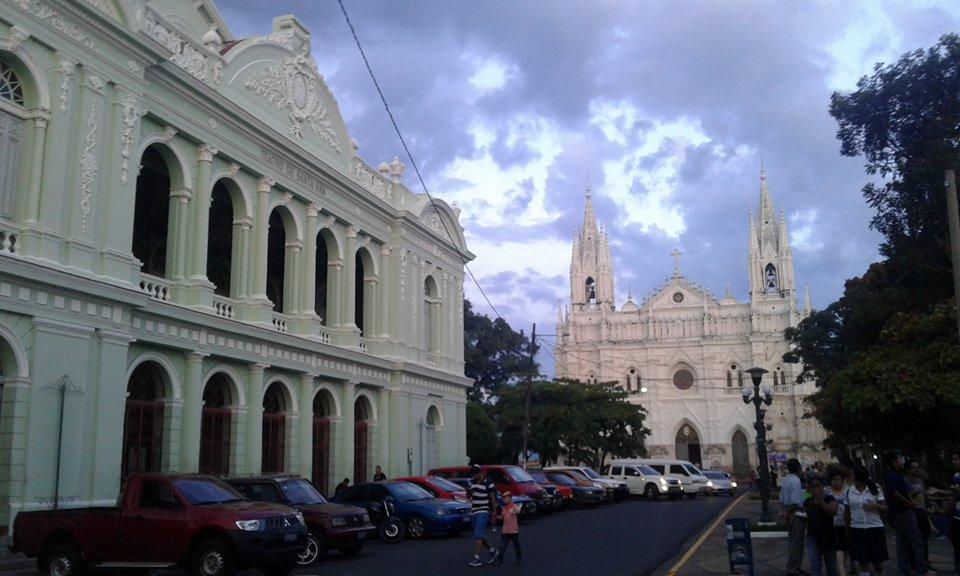 Embajada de El Salvador en Honduras busca estrechar lazos de hermandad entre ciudades con riqueza arquitectónica en sus edificios