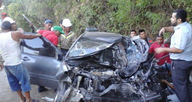 Accidente Vehicular Sobre Carretera Hacia Metapn Dej Dos Lesionados