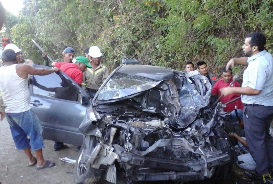 Accidente vehicular sobre carretera hacia Metapán dejó dos lesionados