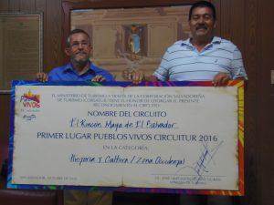 alcalde-de-chalchuapa-cesar-hernandez-juntoa-a-encargado-de-comision-de-turismo-edagar-figueroa