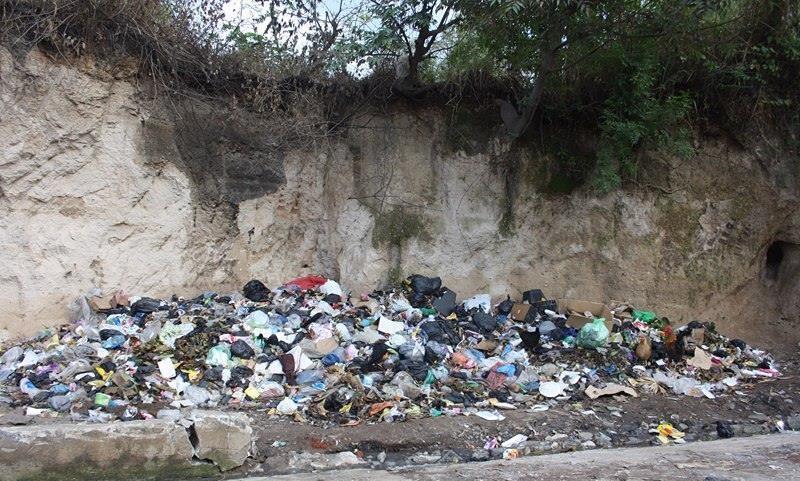 Continúa problema de la basura en la ciudad de Santa Ana