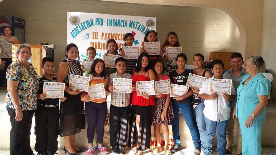 Asociación Pro-Infancia clausuro curso de dibujo y pintura en Metapán