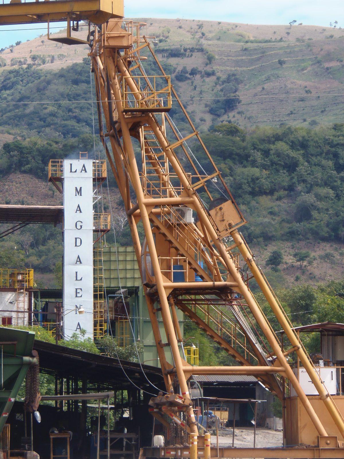 Trabajadores del ingenio La Magdalena muestran  preocupación ante el retraso de la zafra