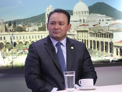 """""""Seré un Presidente que buscará la austeridad y la transparencia en todo lo que hace la Asamblea Legislativa"""": Guillermo Gallegos"""