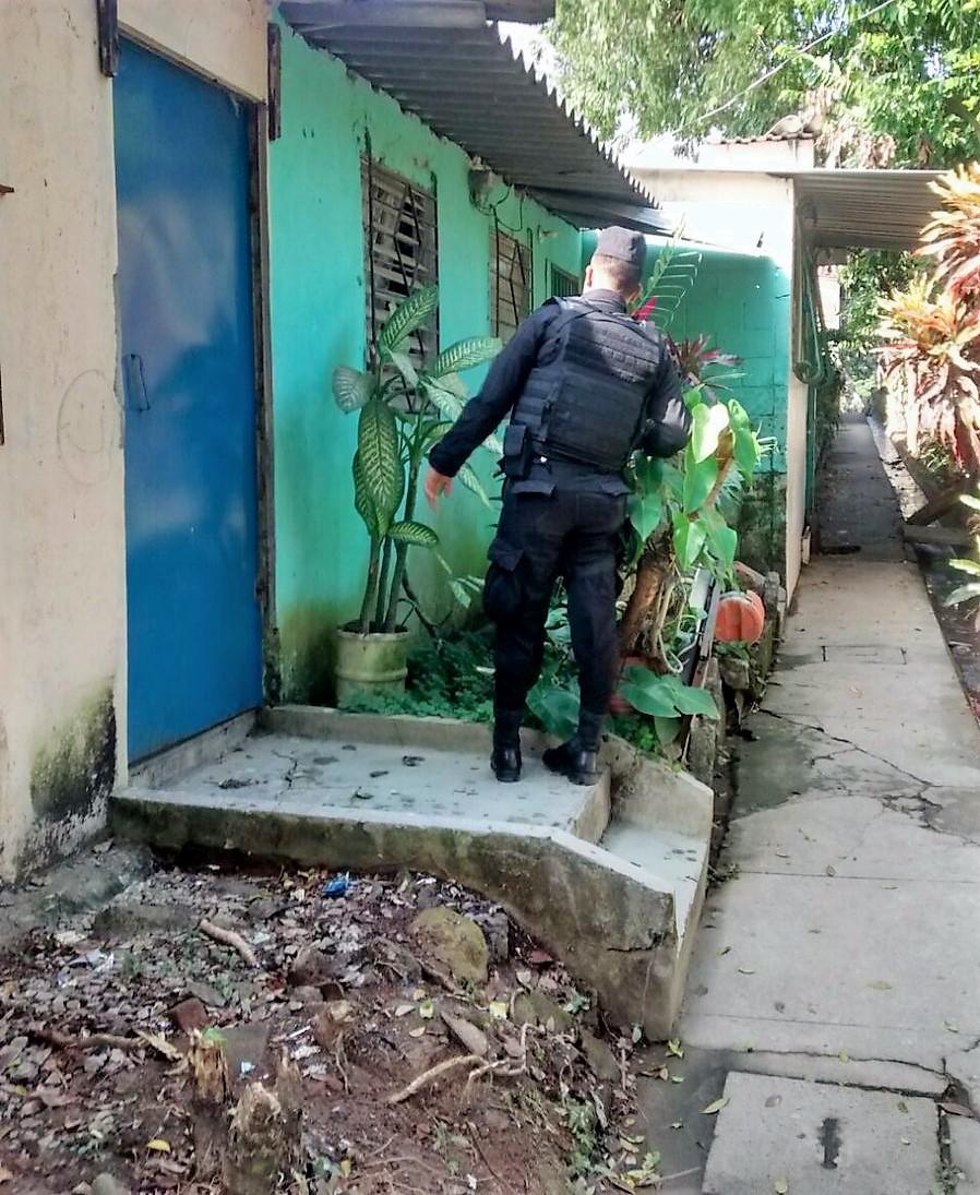 Policía reporta tres detenciones durante horas de la noche del  día miércoles