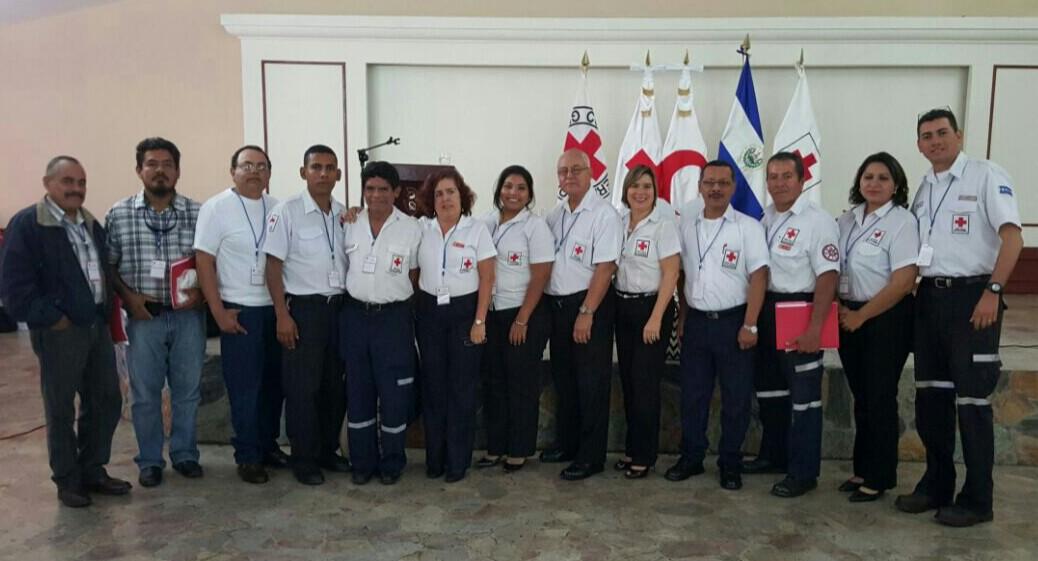Cruz Roja capacita a sus voluntarios para brindar mejores servicios a la población
