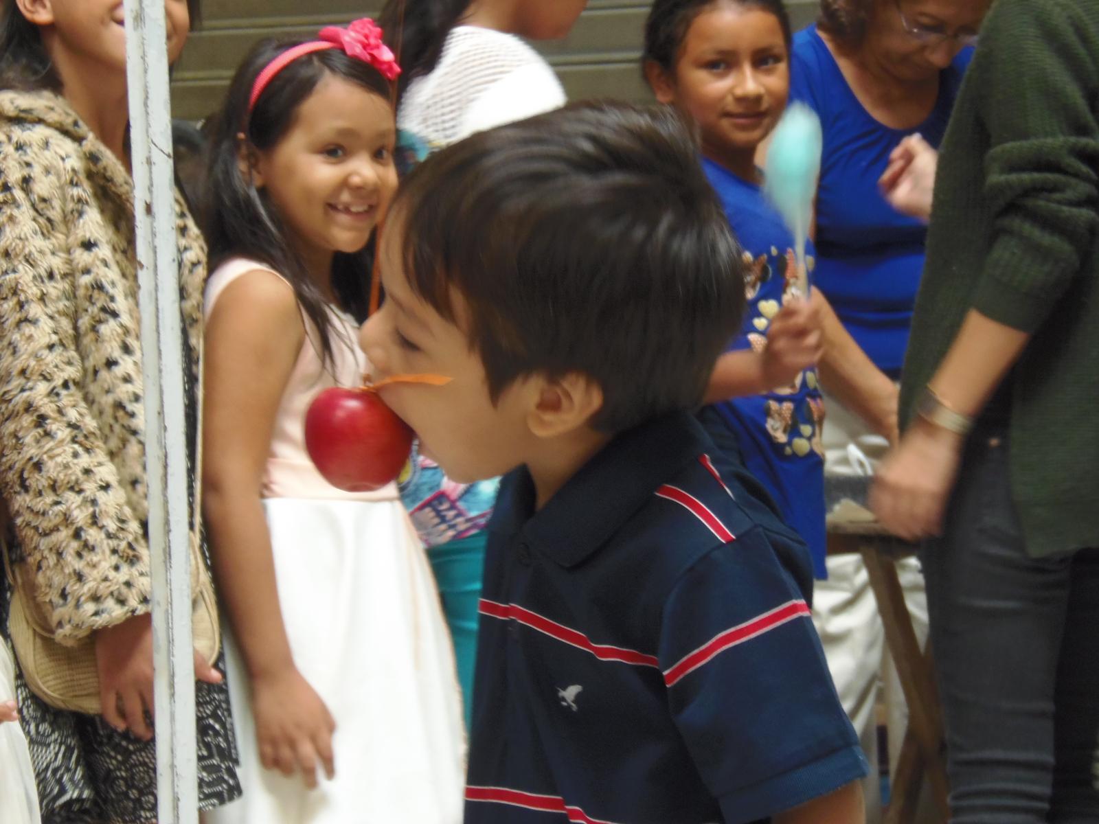 Niños y jóvenes son beneficiados con proyectos de asociación santaneca