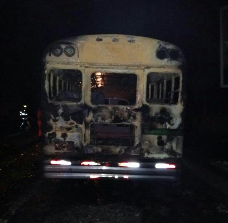 Bus de la ruta 202 se incendia por desperfectos mecánicos