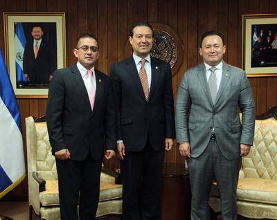 Presidente Guillermo Gallegos sostiene encuentro con embajador de El Salvador en Israel