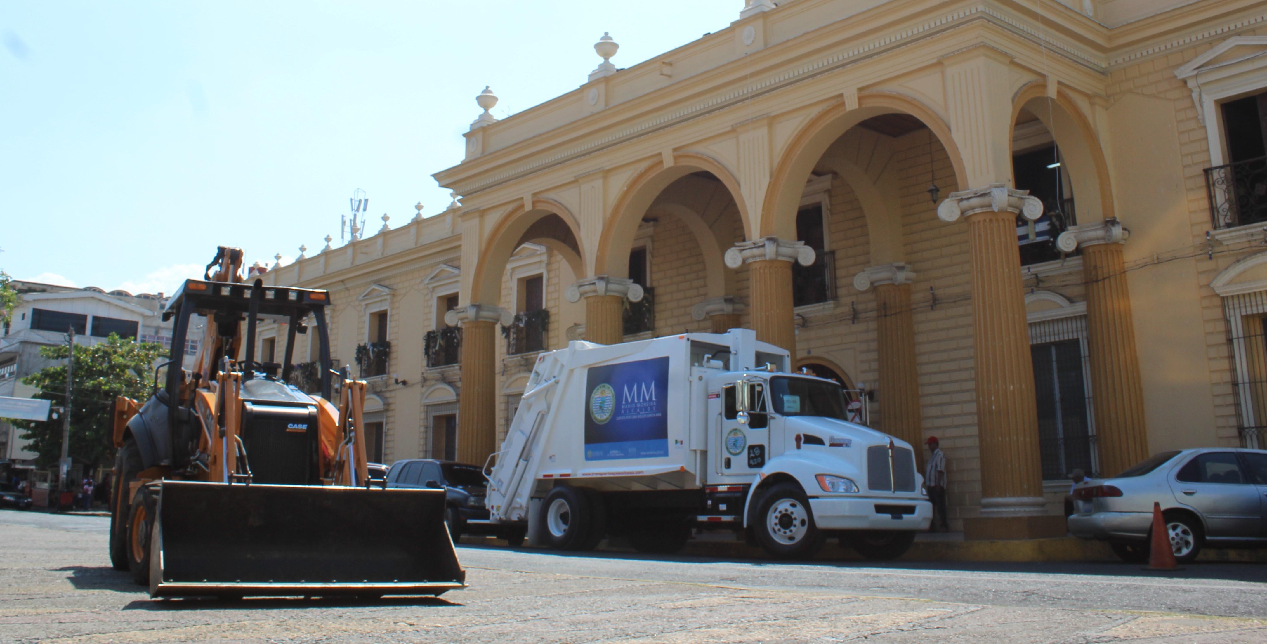 Alcaldía adquiere nuevo equipo pesado para la recolección de basura
