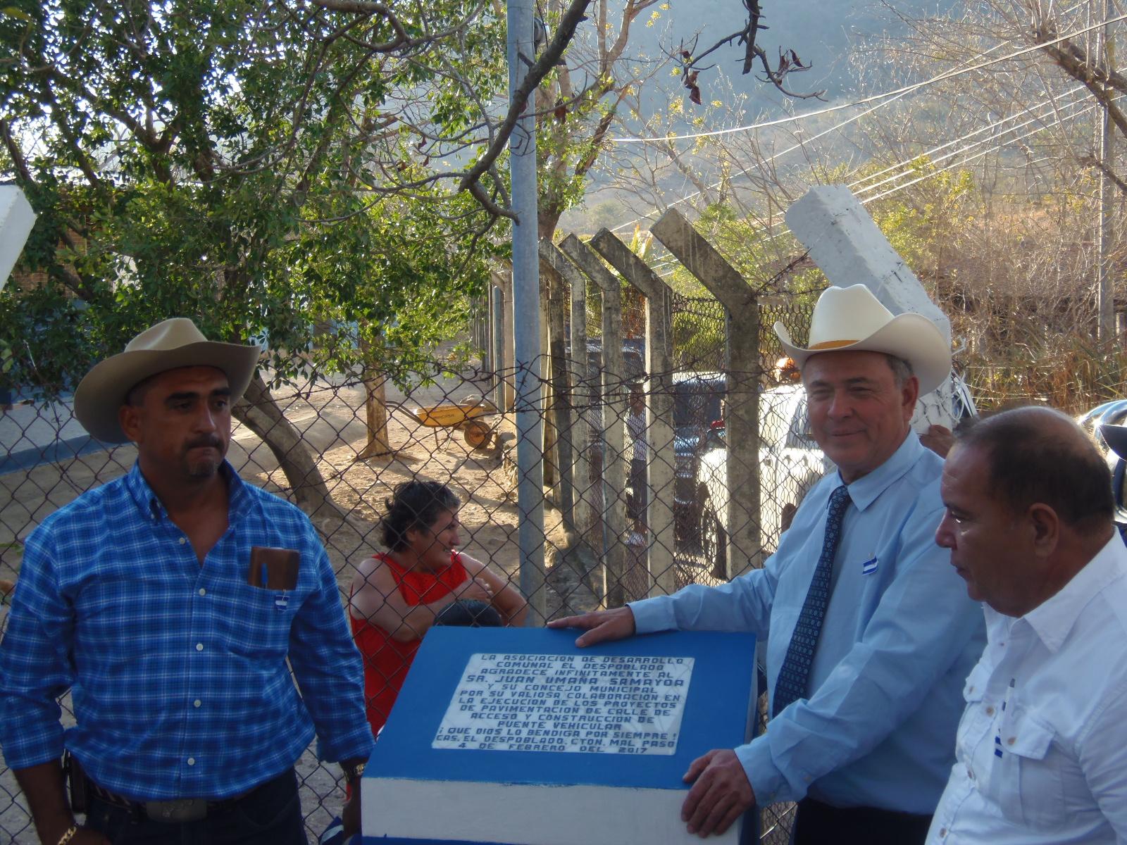 Habitantes del cantón El Despoblado son favorecidos con proyectos de pavimentación