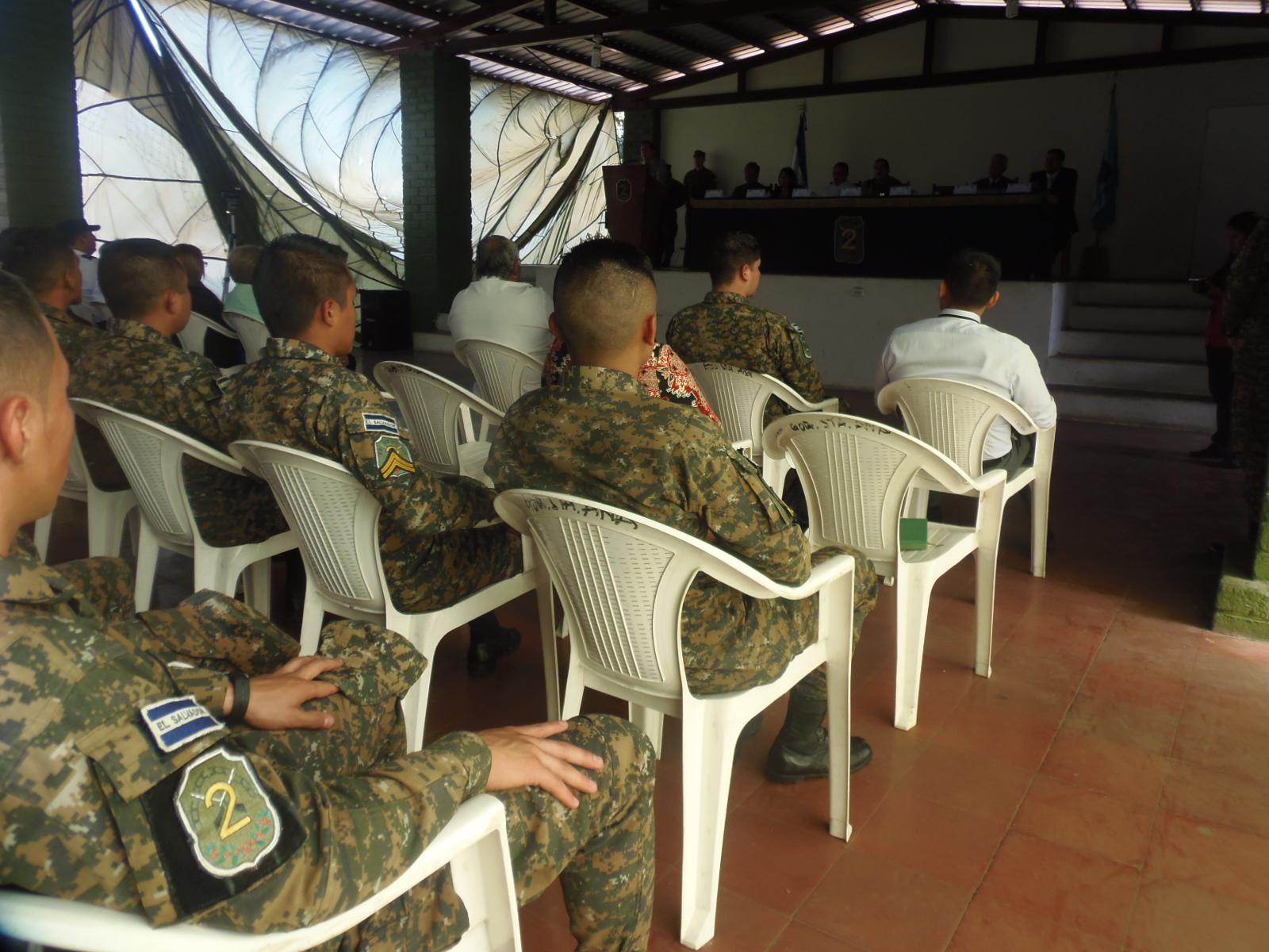 Militares reciben capacitaciones sobre el tema de derechos humanos