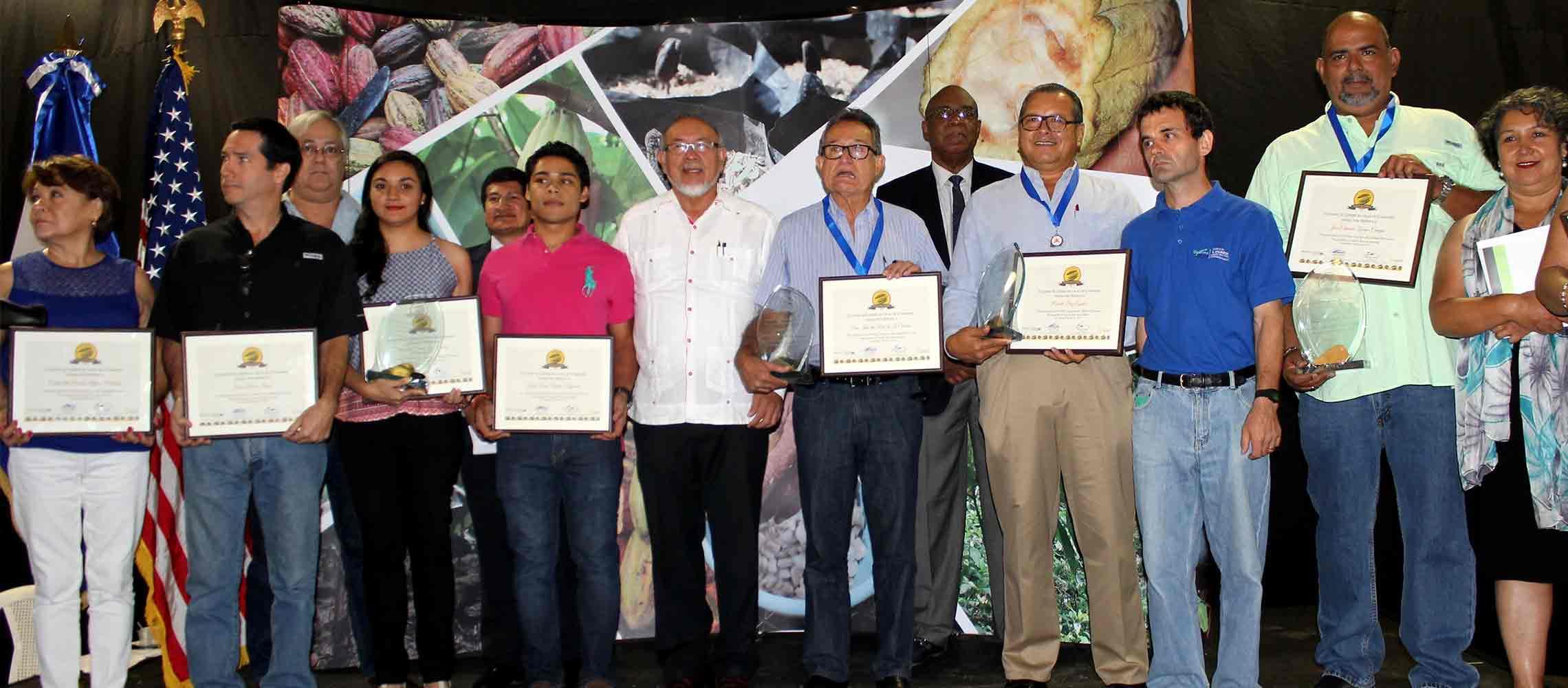 PRESENTAN PERSPECTIVAS DEL CULTIVO DEL CACAO EN EL SALVADOR