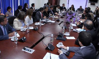 Comisión de Relaciones Exteriores se reúne con canciller para abordar mecanismos de protección a compatriotas migrantes