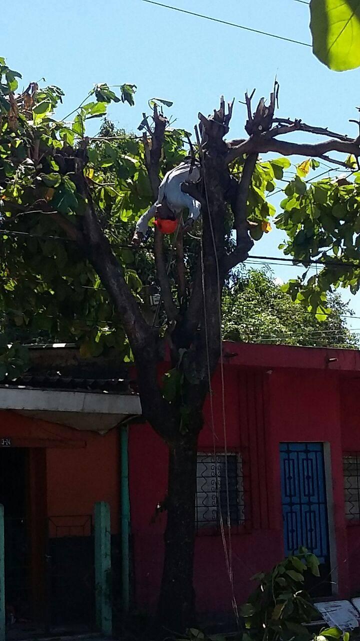 Hombre muere electrocutado en Sonsonate