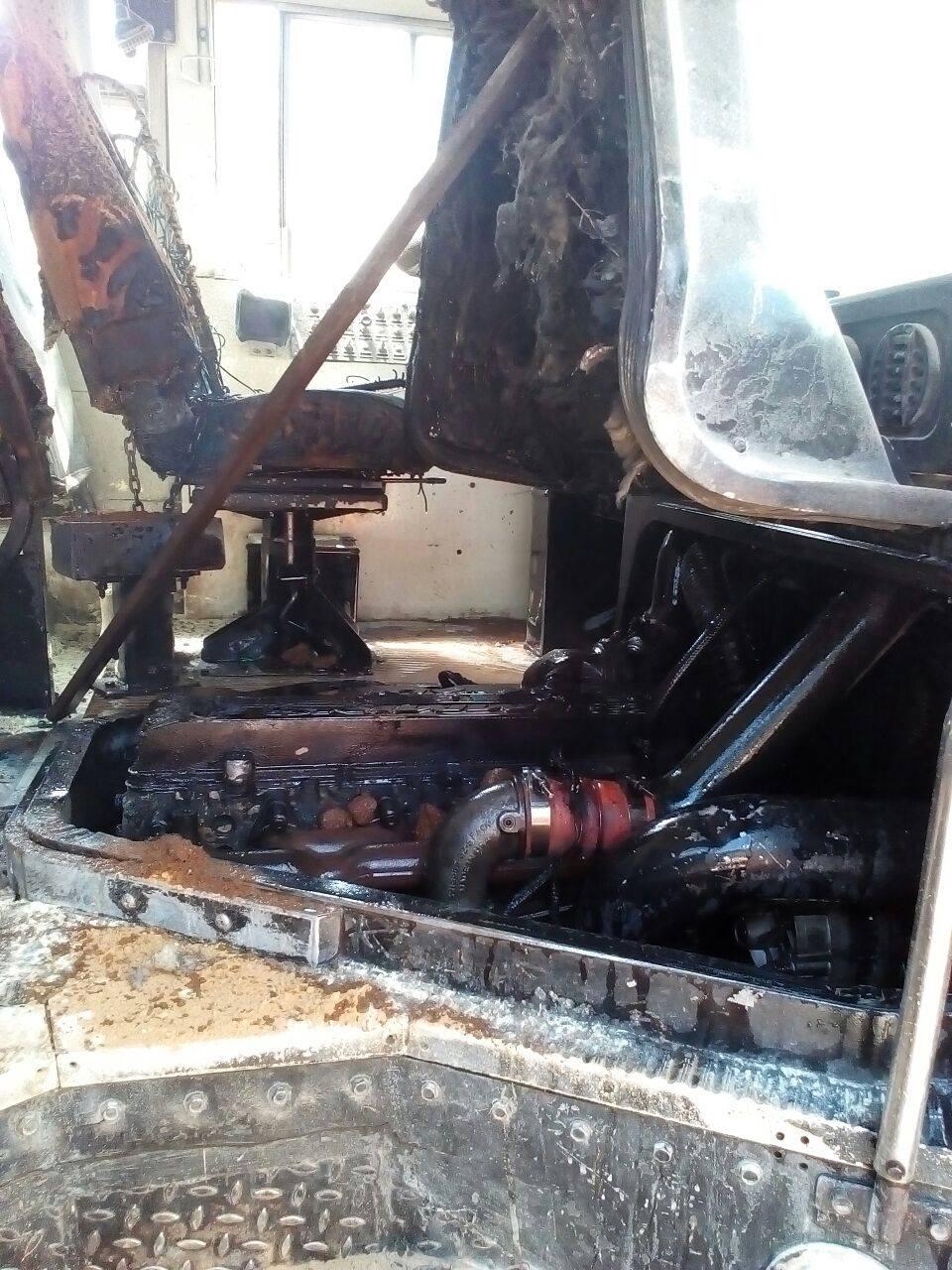 Autobús de la ruta 55, sufrió desperfectos mecánicos que provocaron incendio en el motor