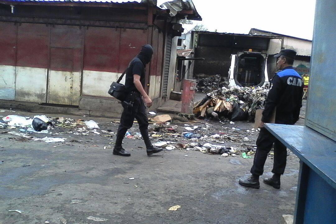 Localizan un cadáver en basurero N° 2 del mercado Colón y otro en barranca Santa Lucia