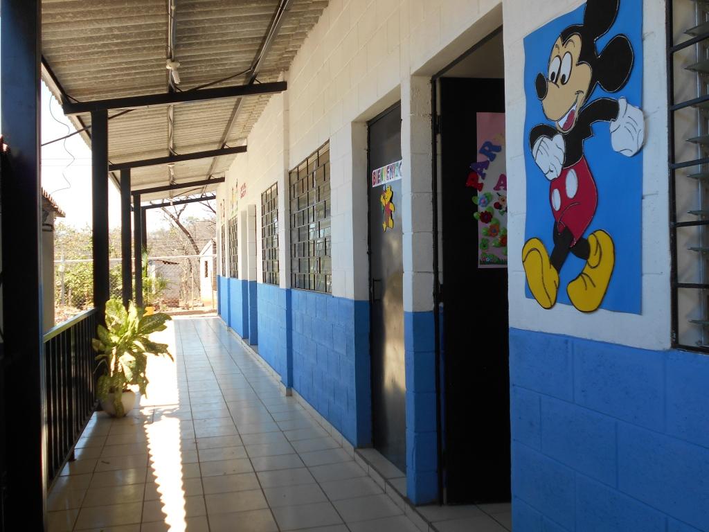 Gobierno japonés construyó aulas en escuela de Cuisnahuat de Sonsonate