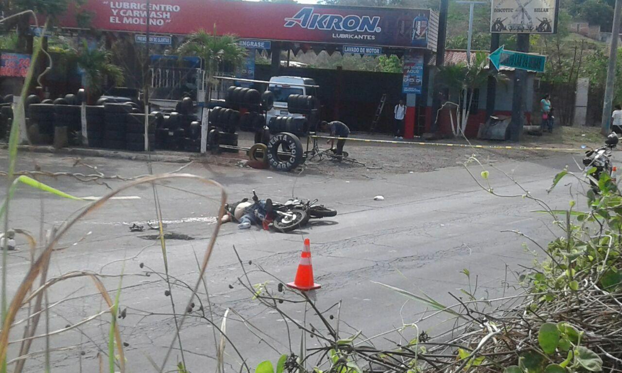 Fallece motociclista tras percance vial