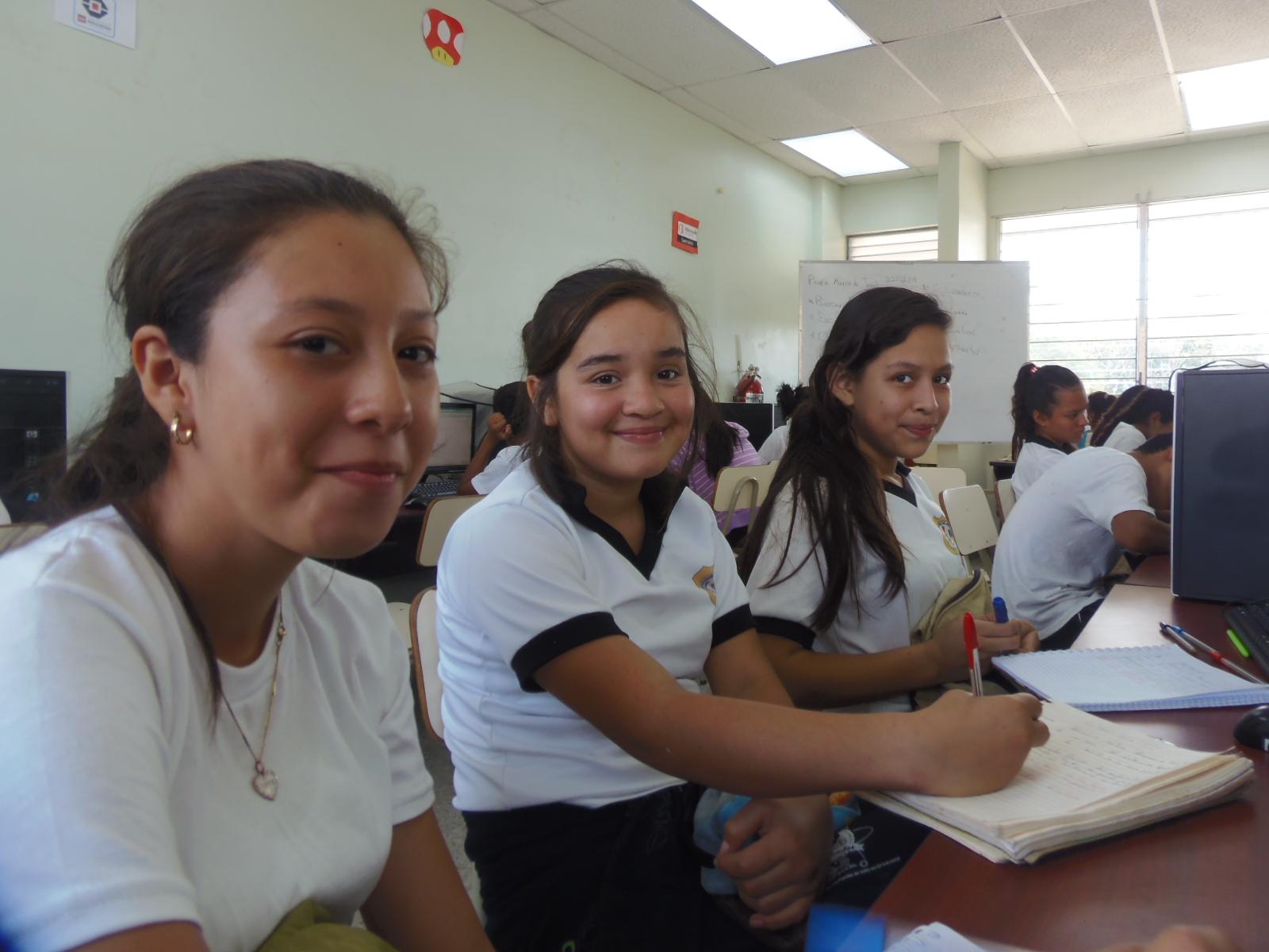 FUSALMO contribuyendo en la formación de las nuevas generaciones de El Salvador