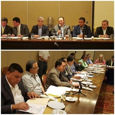Legisladores respaldan petición de COMURES para establecer plazo para desembolso del FODES