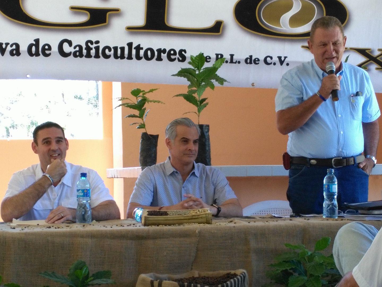 MARIO MARROQUIN:  Hemos puesto en manos del presidente de la republica la  soluciones al drama cafetalero.