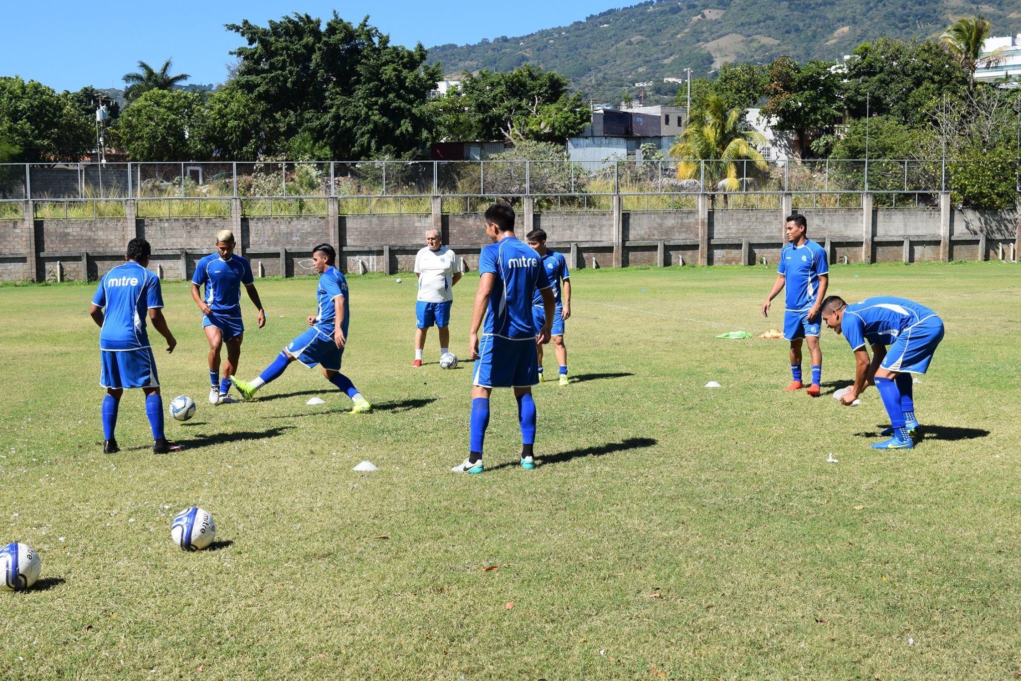Jugadores convocados para amistosos de la Selecta ante Curazao y Olimpia