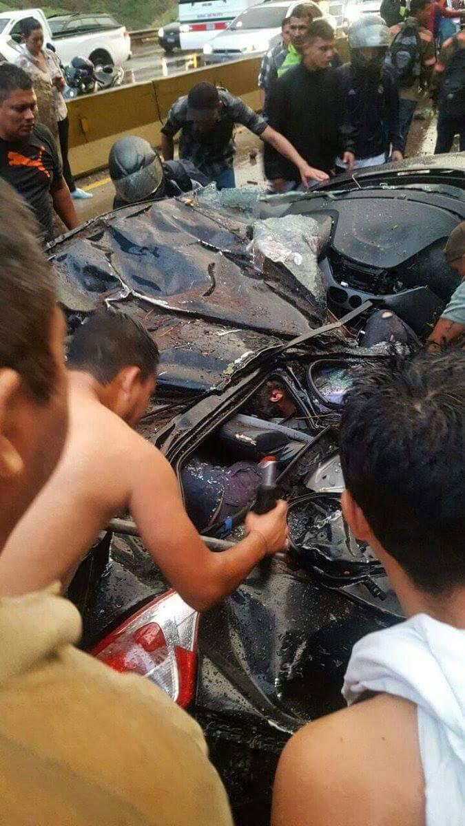 Reportan persona fallecida en carretera Los Chorros