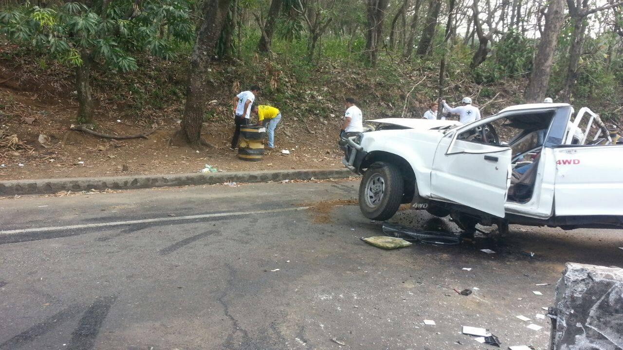 Accidente de tránsito deja una persona fallecida y dos lesionados