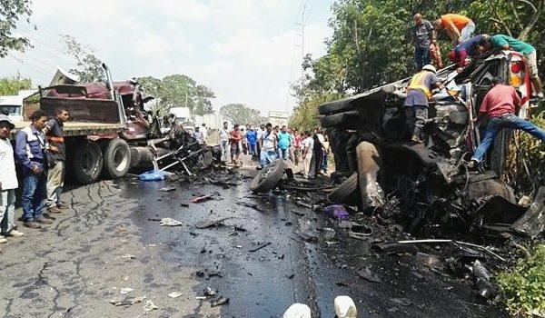 Aparatoso accidente en Escuintla Guatemala
