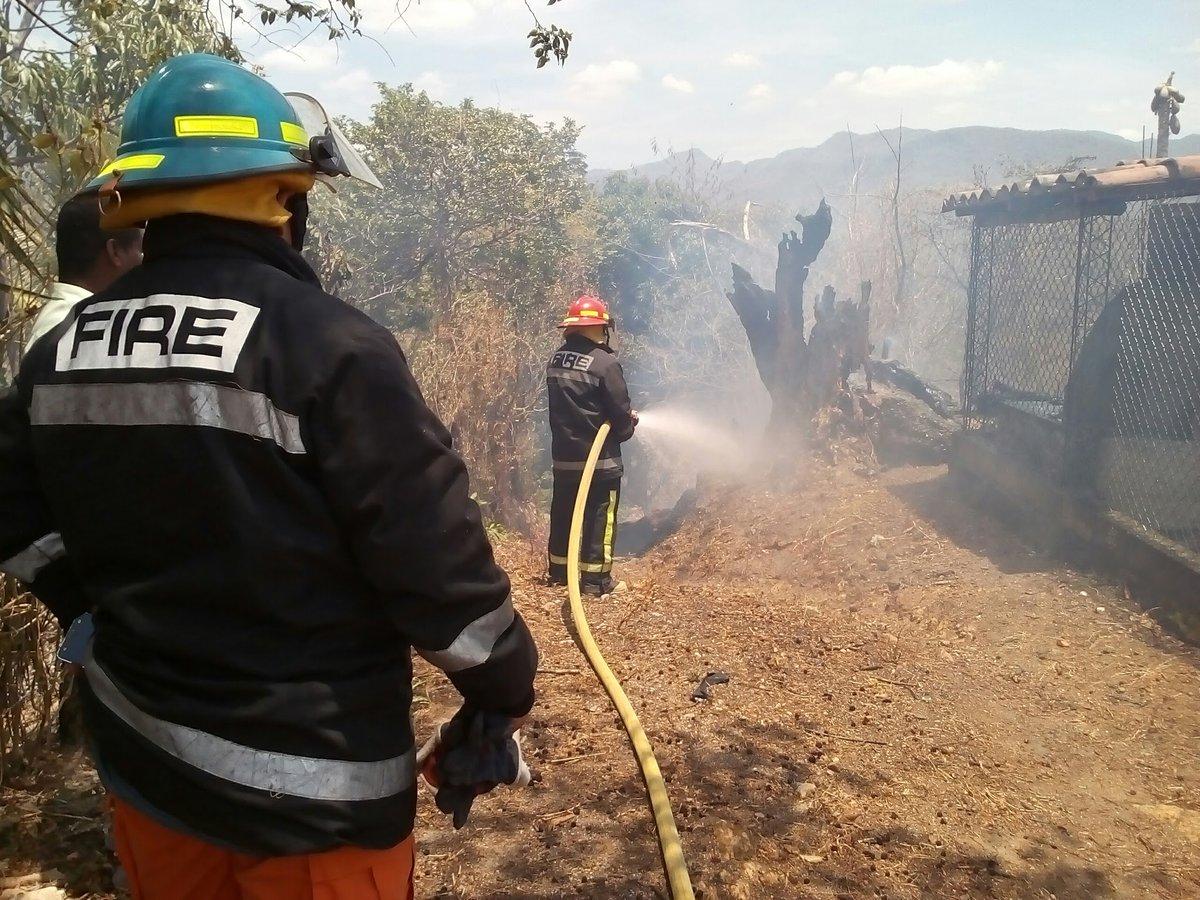 Cuerpo de Bomberos sofocó incendio en caserío Buena Vista de Metapán