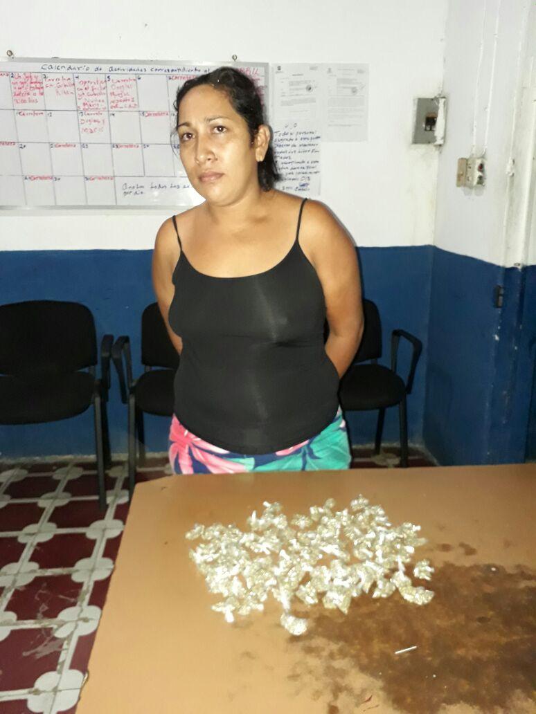 PNC captura a mujer que portaba 80 porciones de droga