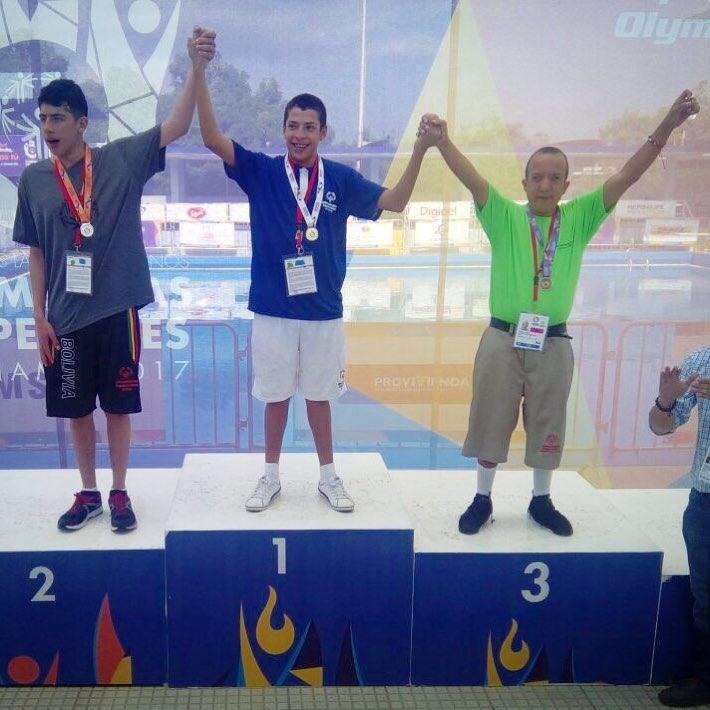 Atletas salvadoreños de Olimpiadas Especiales en Panamá siguen cosechando más triunfos