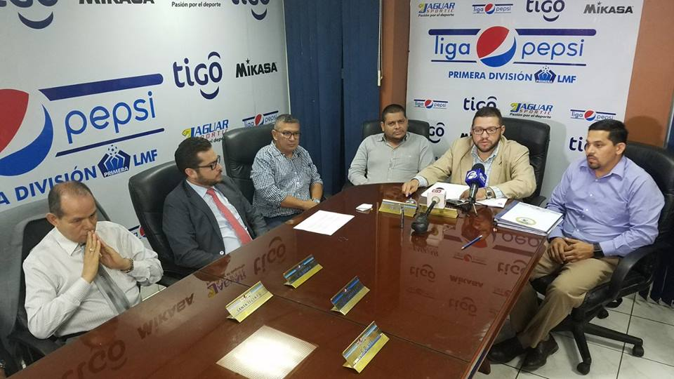 Fernando Alas, es sancionado e inhabilitado por la Primera División