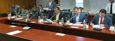 Subcomisión Política entrevista a los aspirantes a presidir el TEG