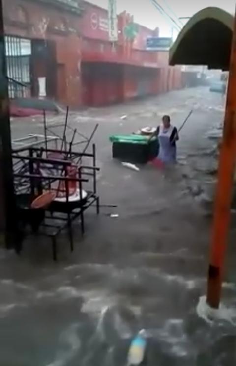 Santa Ana colapsada durante lluvias