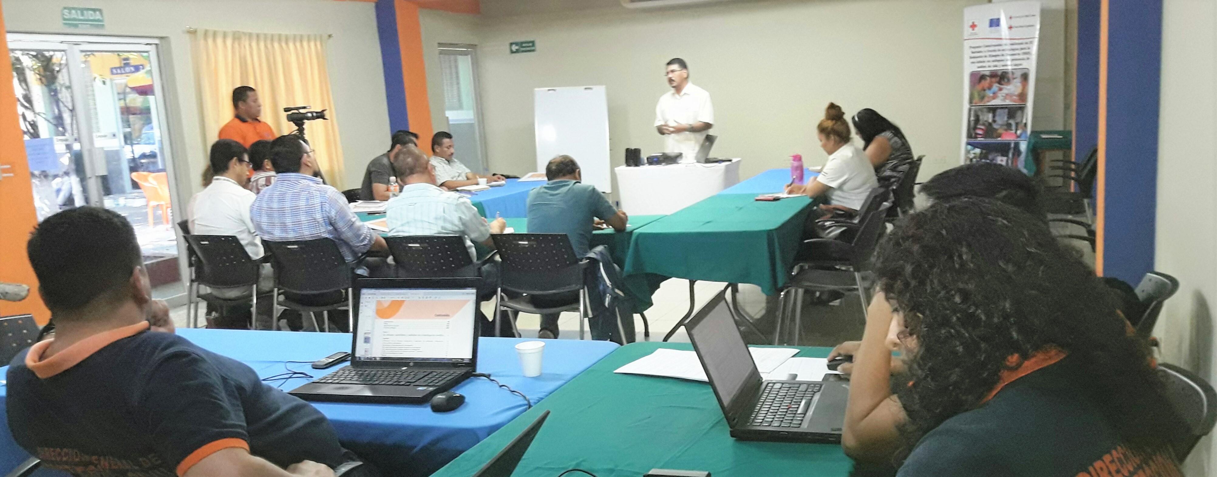 Realizan procesos formativos sobre la gestión de integral para la reducción de desastres con docentes UES de zona paracentral y oriente del país