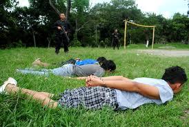 Instrucción con detención para tres pandilleros de la MS por ataque armado a policías en Ahuachapán